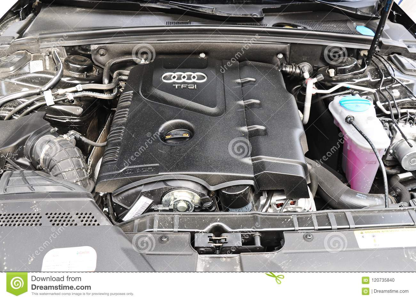 Van de de automotor van Audi a4 allroad de fotospruit in Turkije