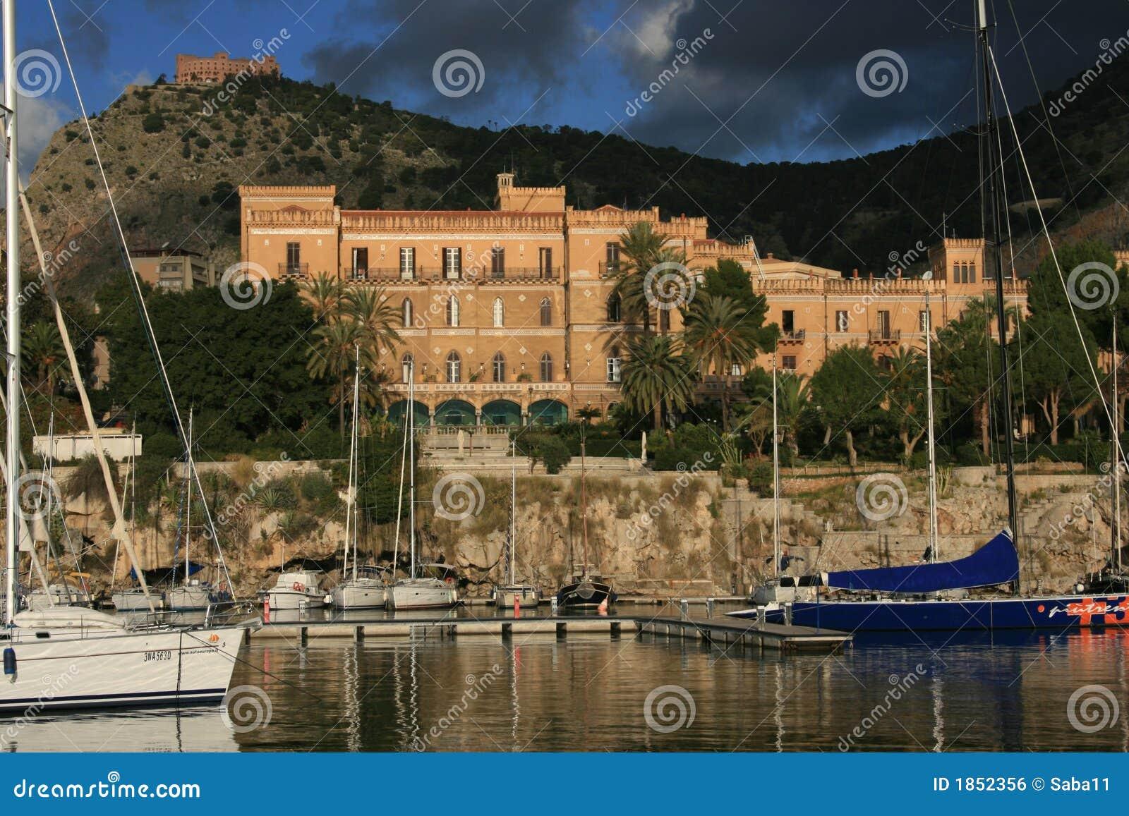 Van de de haven°° Villa van Palermo de kleine bouw & Utveggio Castel van de Vrijheid van Igiea
