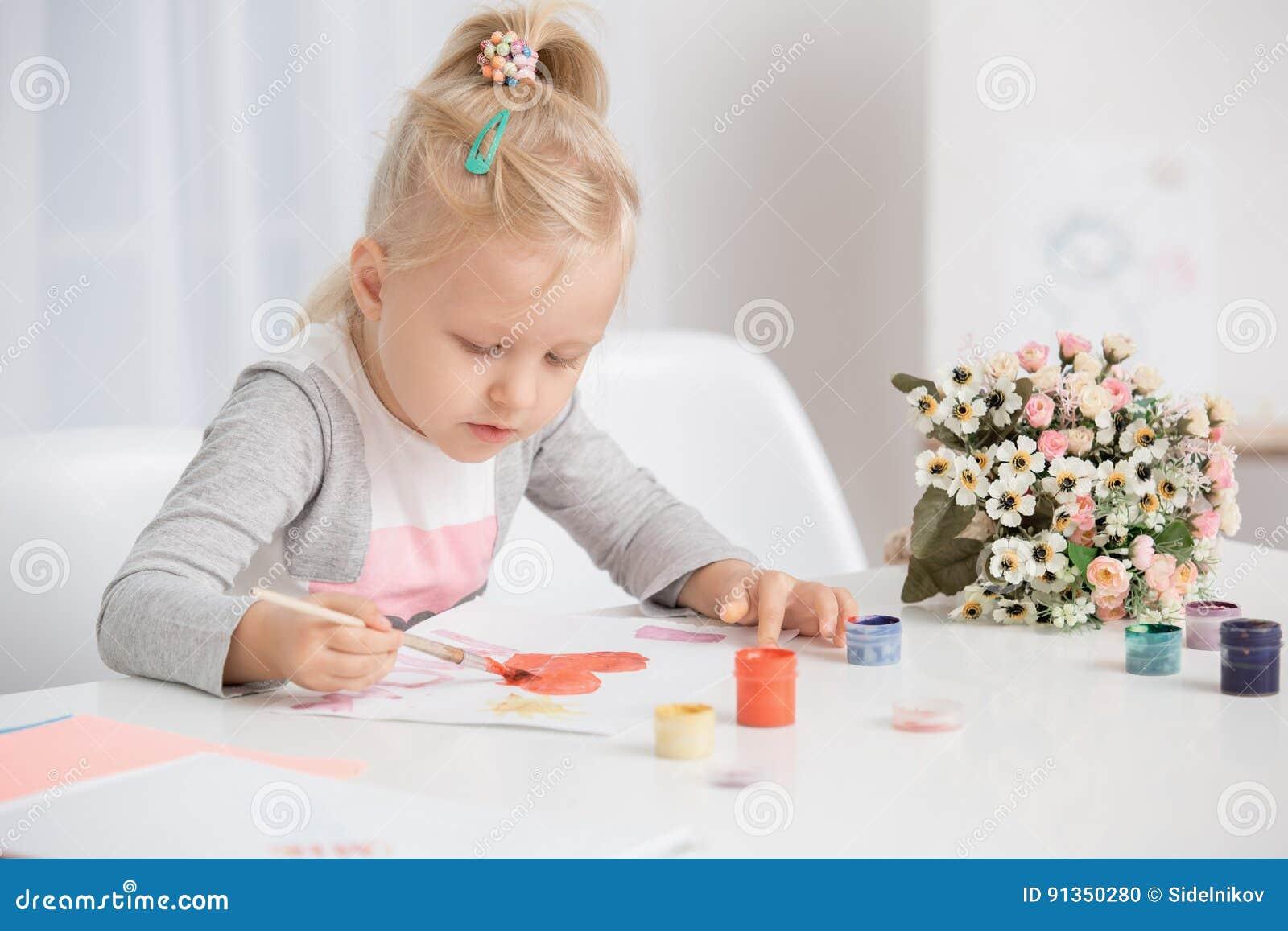 Van de de Tekeningscreativiteit van het meisjekind het Talentenconcept