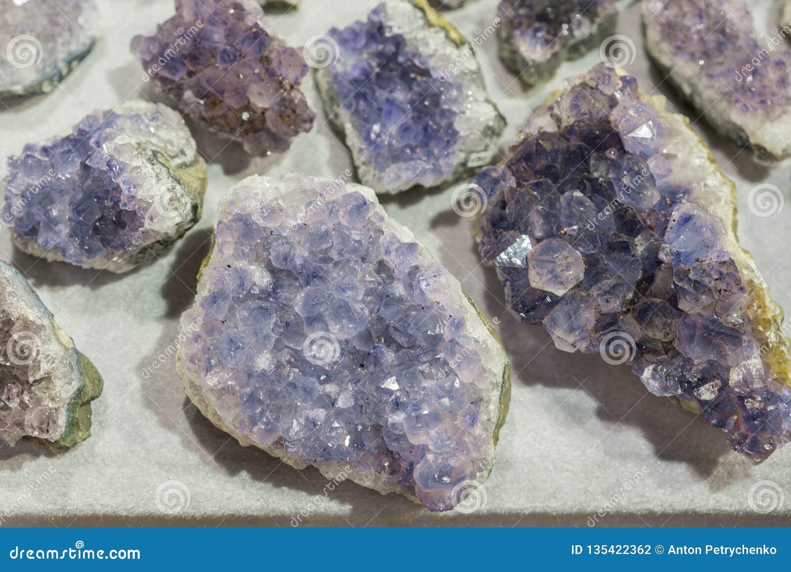 Van de gem geologische kristallen van het aquamarijn natuurlijke kwarts blauwe de textuurachtergrond