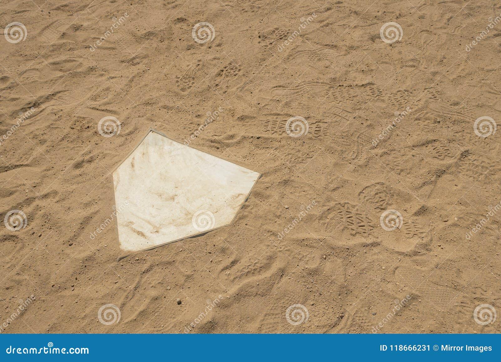 Van de het gebieds witte thuisbasis van de honkbal softaball diamant dichte omhooggaand