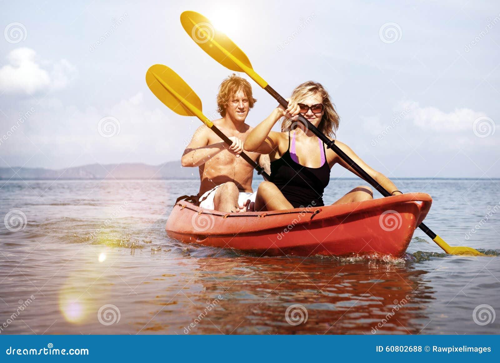 Van de het Geluk Recreatief Achtervolging van het Kayakingsavontuur het Paarconcept
