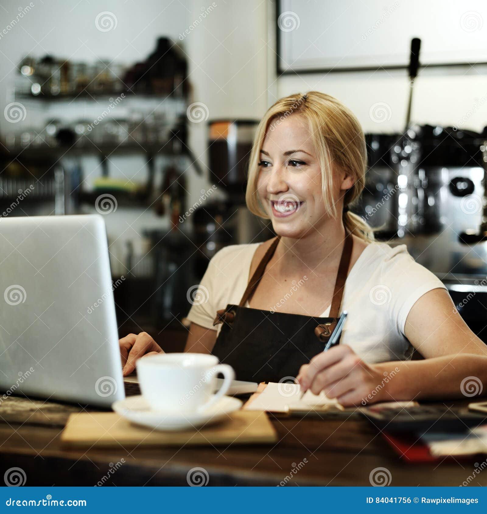 Van de Kelnersstaff serving cafeteria van de koffiekoffie de Schortconcept