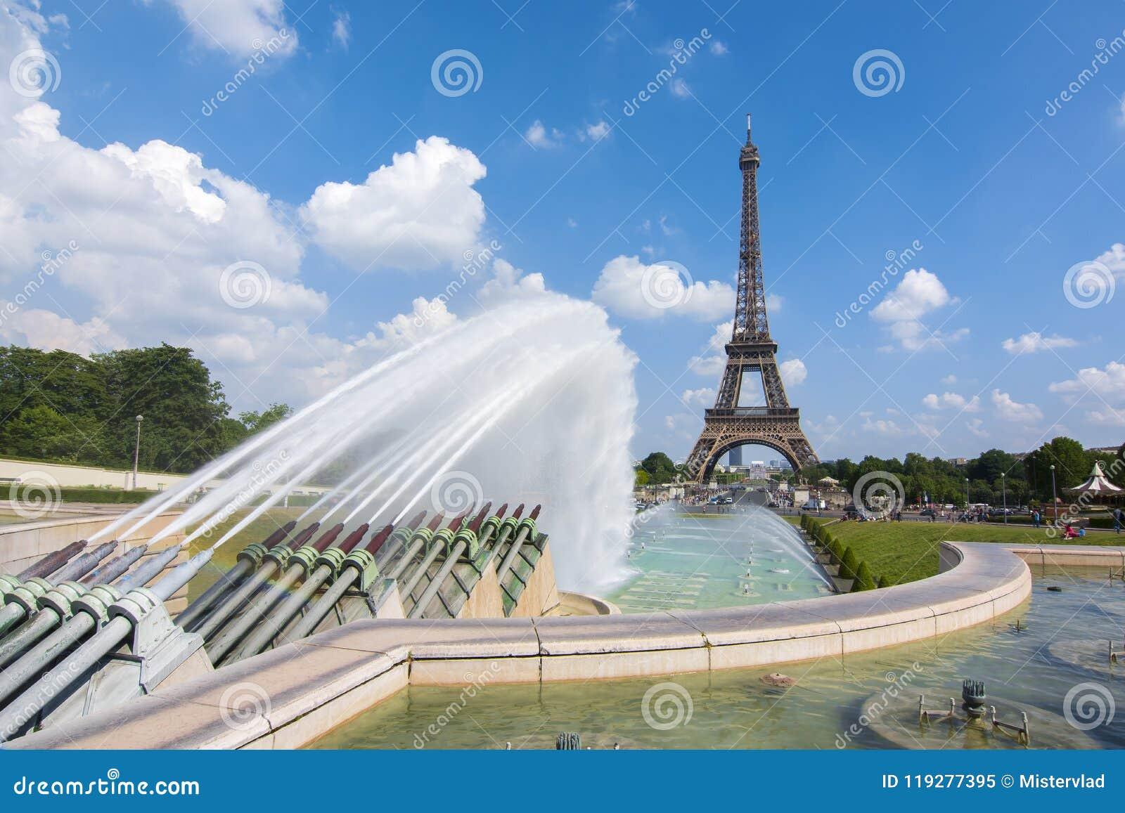 Van Eiffel de Toren en van Trocadero fonteinen, Parijs, Frankrijk