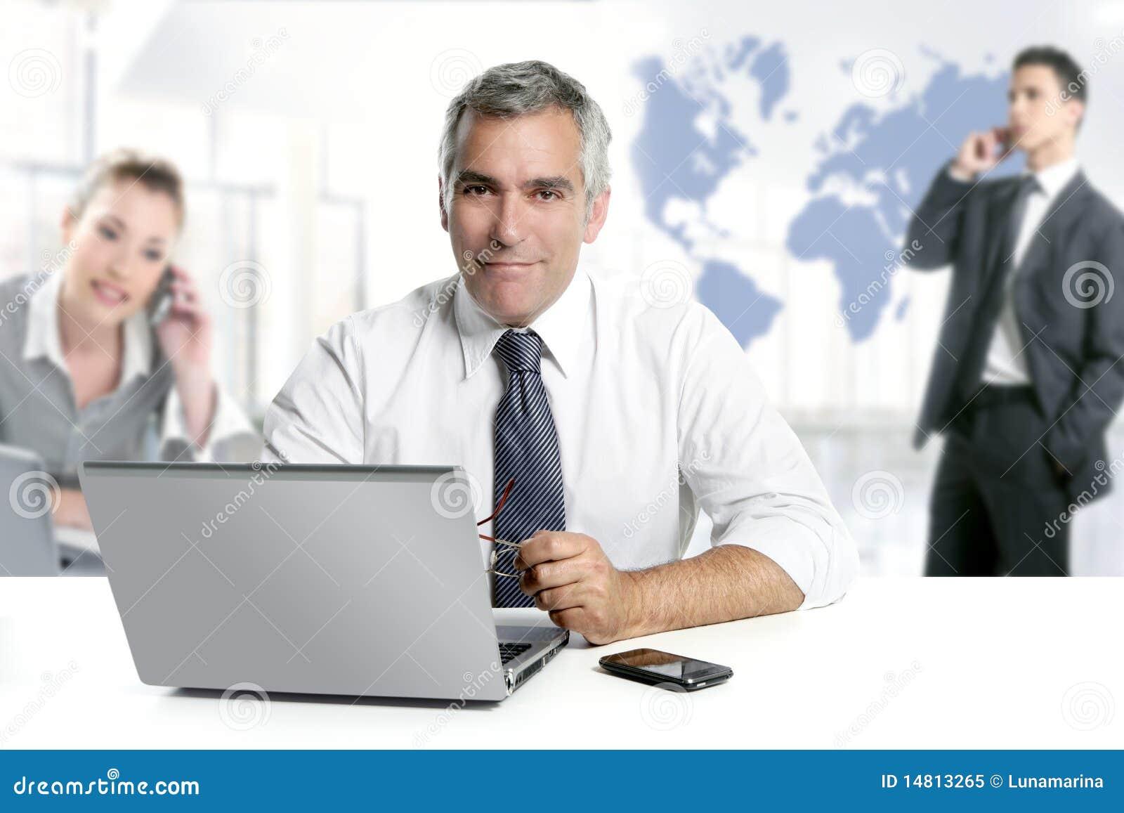 Van het de deskundigheidsgroepswerk van de zakenman hogere de wereldkaart