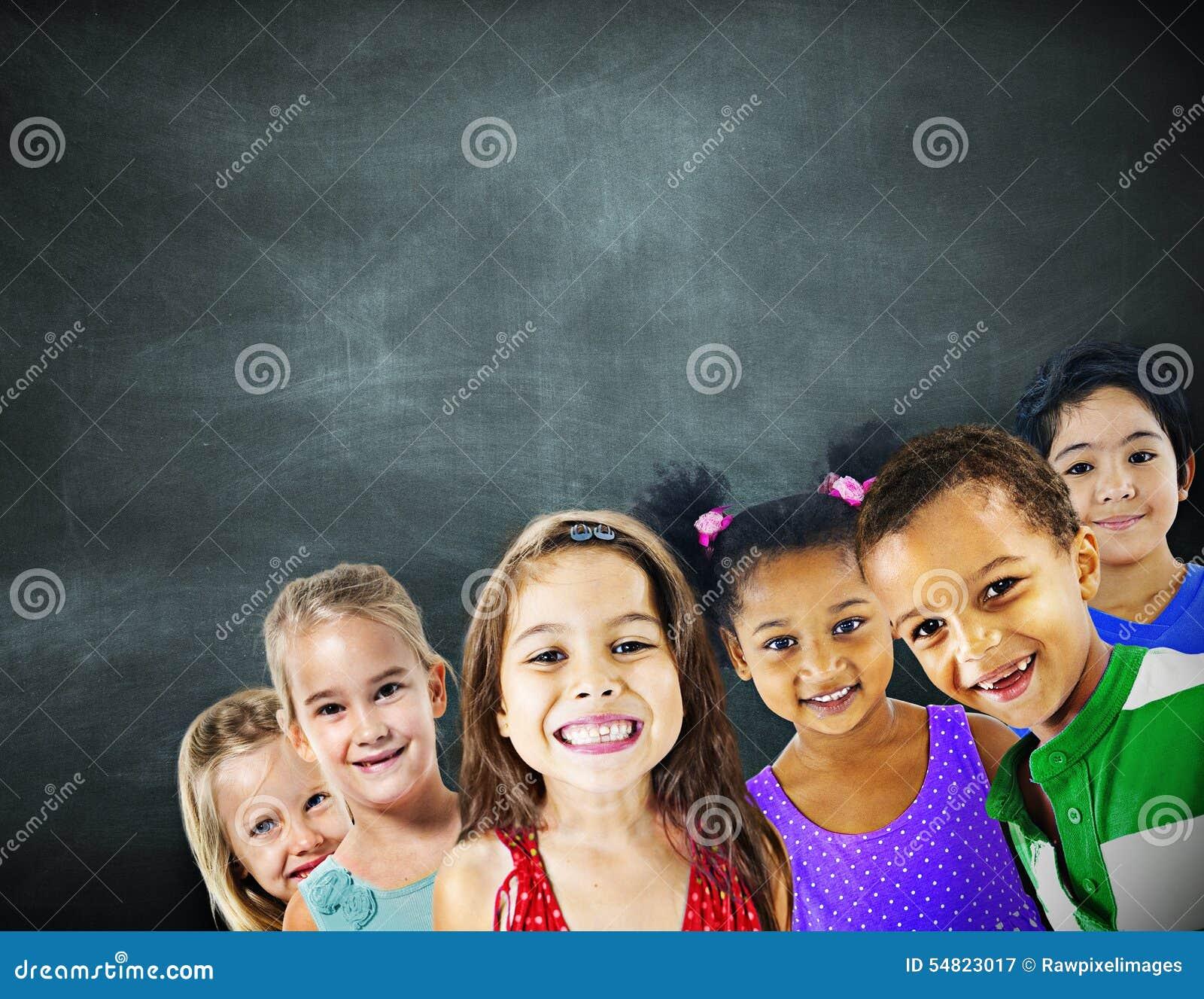 Van het de Diversiteitsonderwijs van kinderenjonge geitjes het Geluk Vrolijk Concept