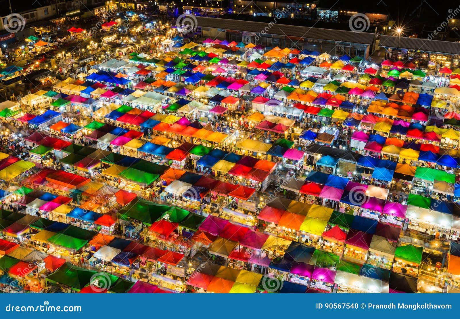 Van het de kleurendak van de nacht lichte luchtmening veelvoudige hoogste het weekendmarkt
