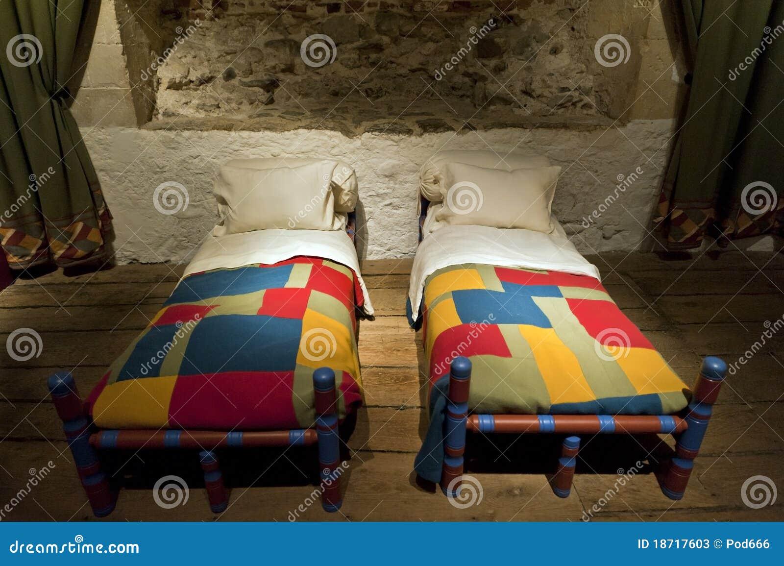 Van het kasteelkoningen van dover de ruimte van de het bedkamer stock foto 39 s afbeelding 18717603 - Ruimte van het meisje parket ...