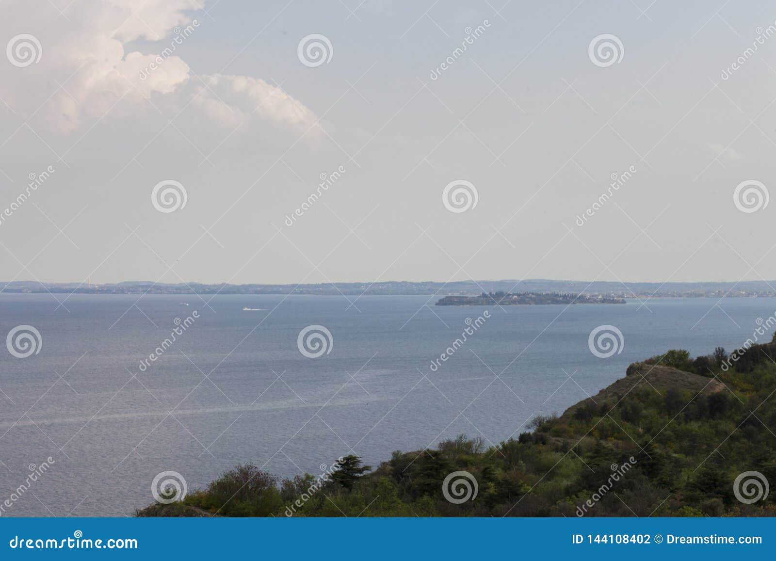Van het strand op Garda-Meer
