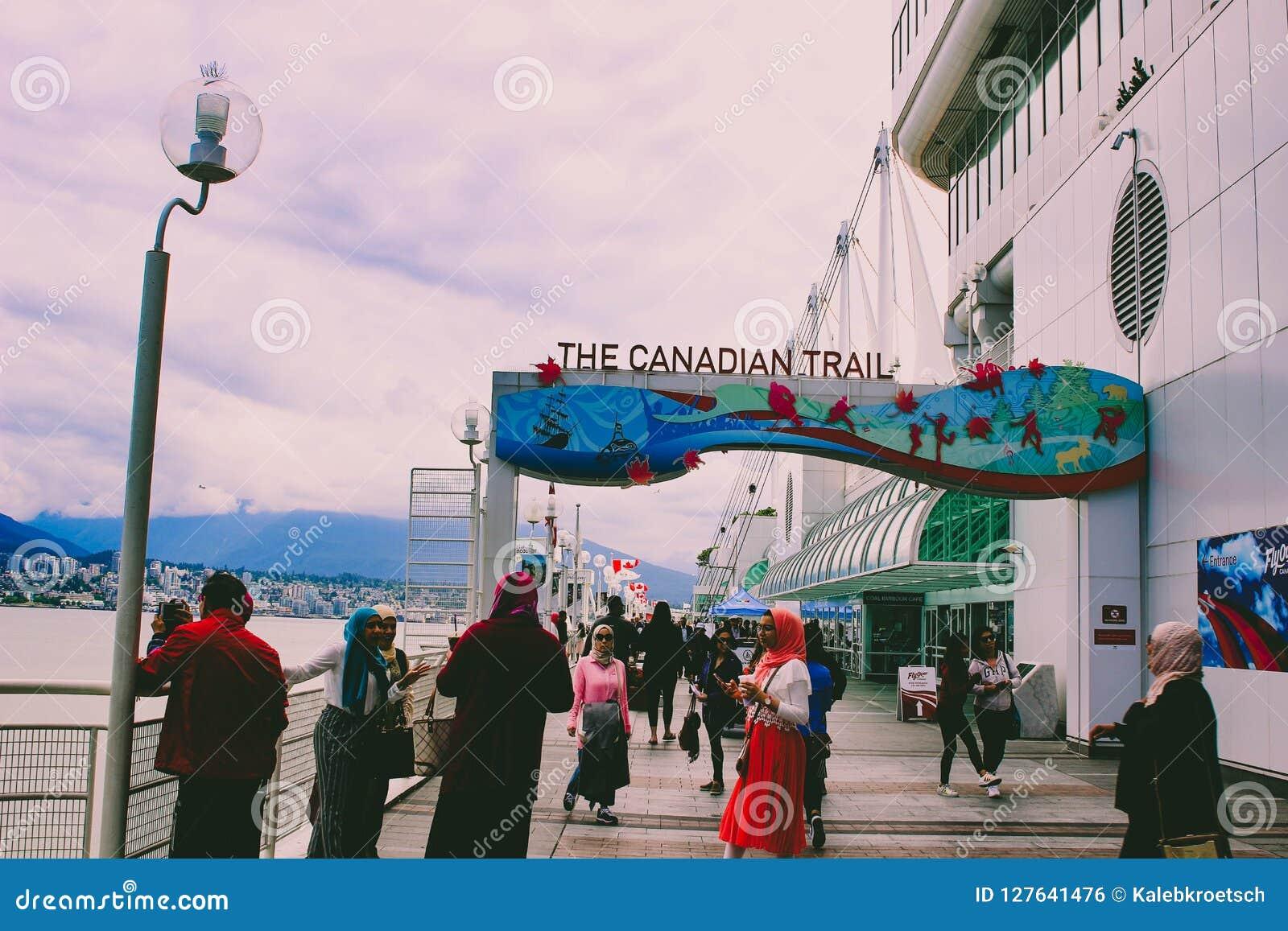 VANCOUVER CANADA - 15 JUNI 2018: Canada Place de Bouw in Vancouver, Brits Colombia Gemeenschappelijke toeristenplaats met