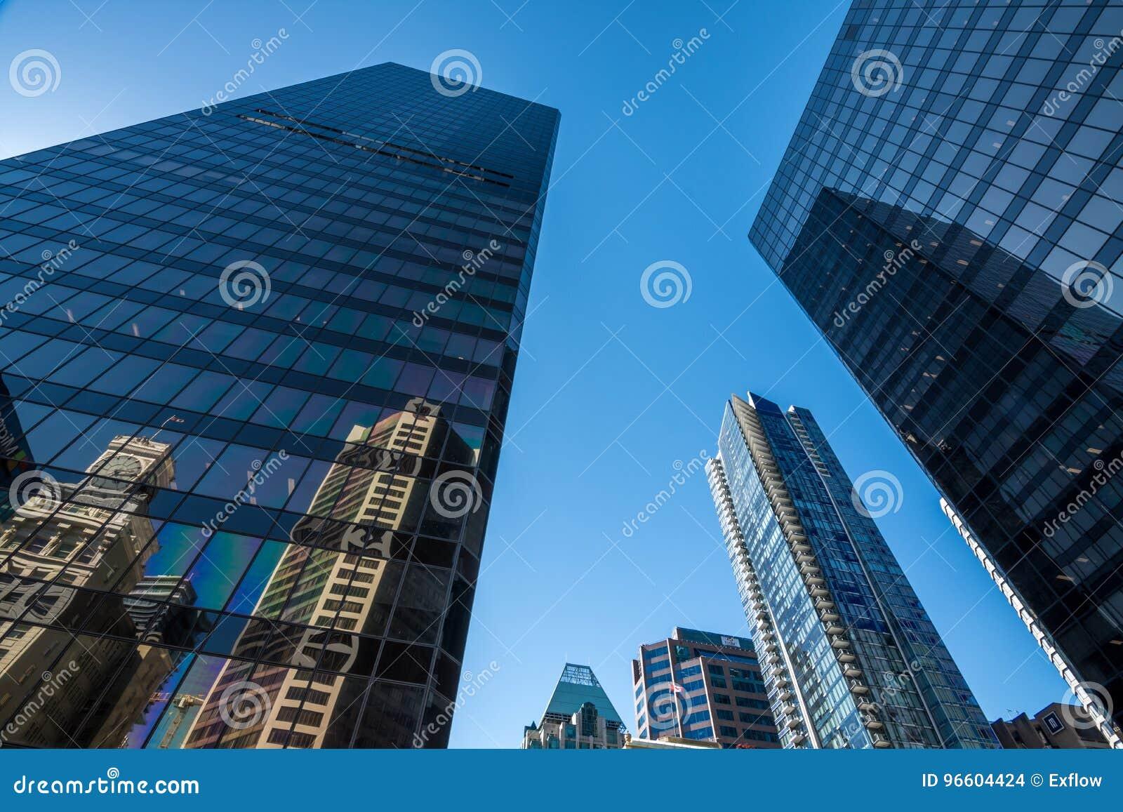 Vancouver Kanada, Czerwiec, - 20, 2017: Wysocy wzrosty w Vancouver ` s dow