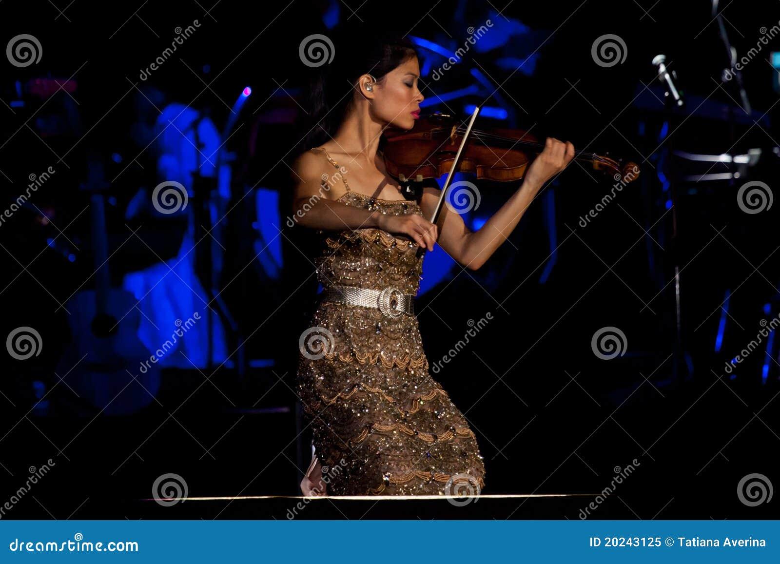 Vanessa-Mae concert editorial image. Image of celebrity