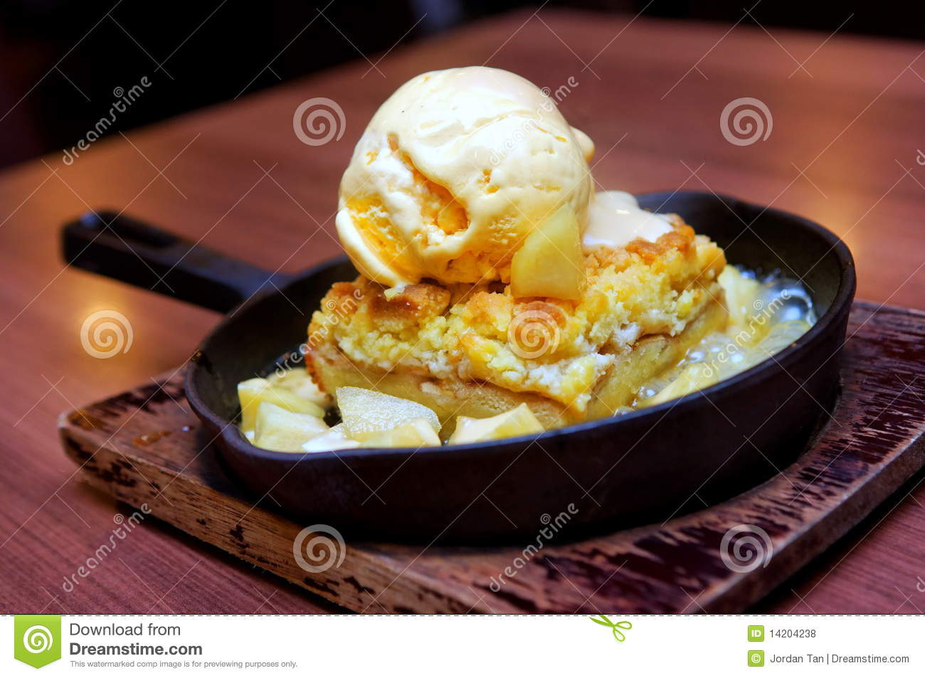 Vanilla Ice Cream With Apple Crumble Royalty Free Stock ...