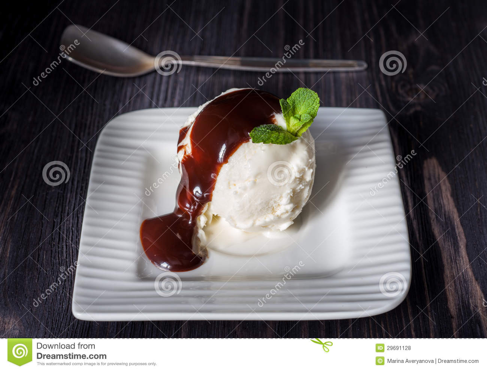 vanilla ice cream with chocolate syrup 2017 - Chocolate Milk Recipe