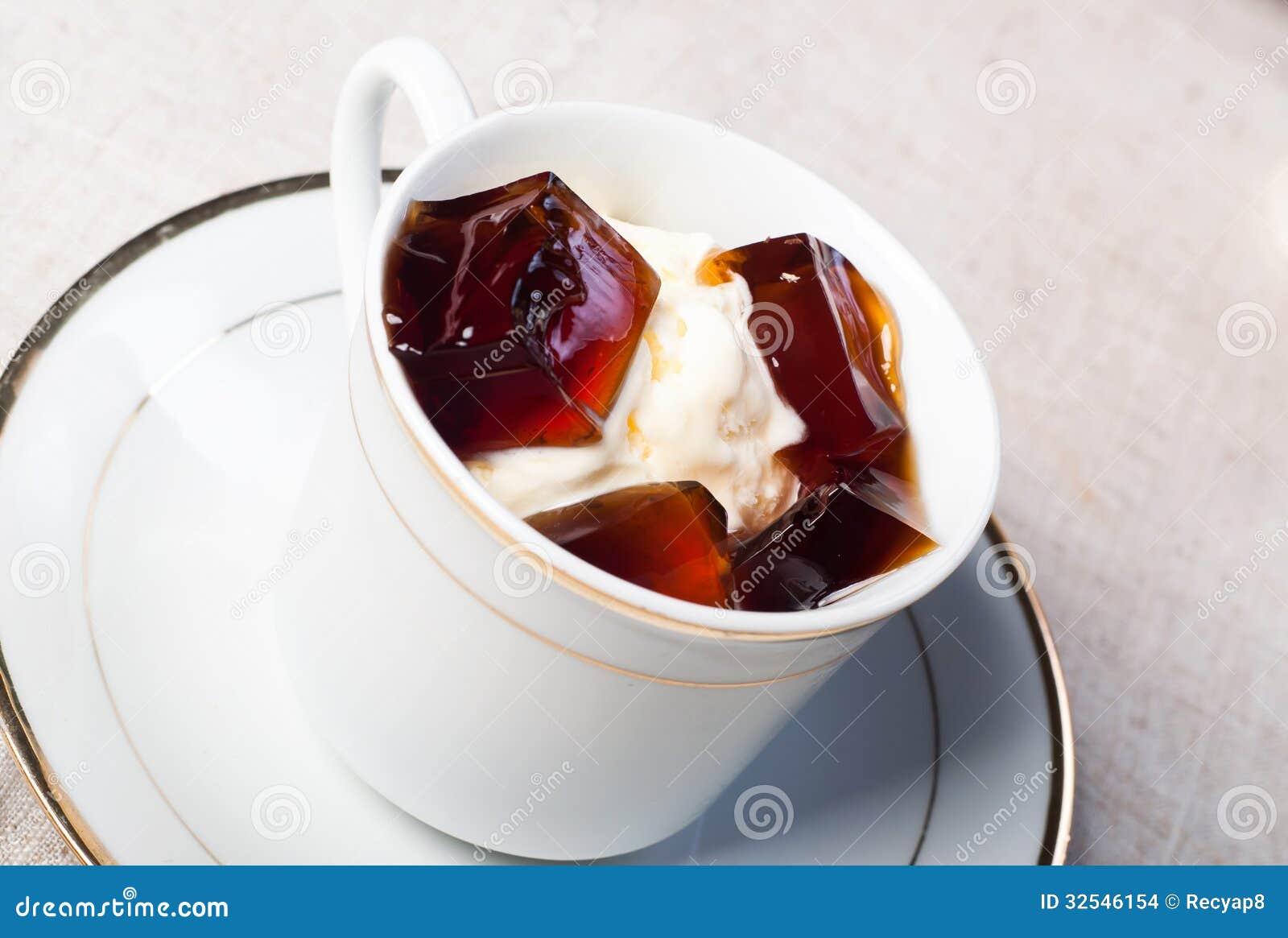 Vanilla ice cream with coffee jelly