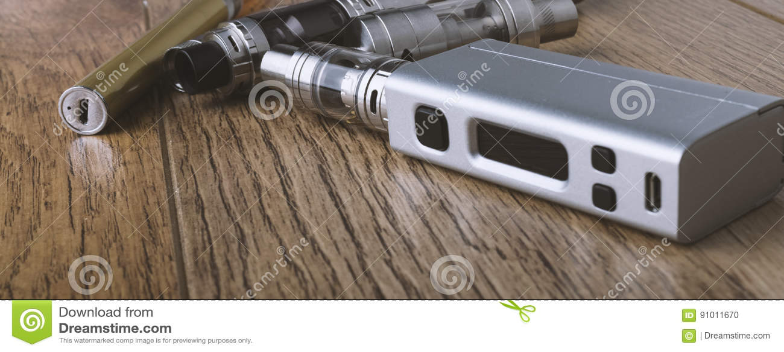 Vape penna och vaping apparater, mods, sprejflaskor, e-cig, e-cigarett