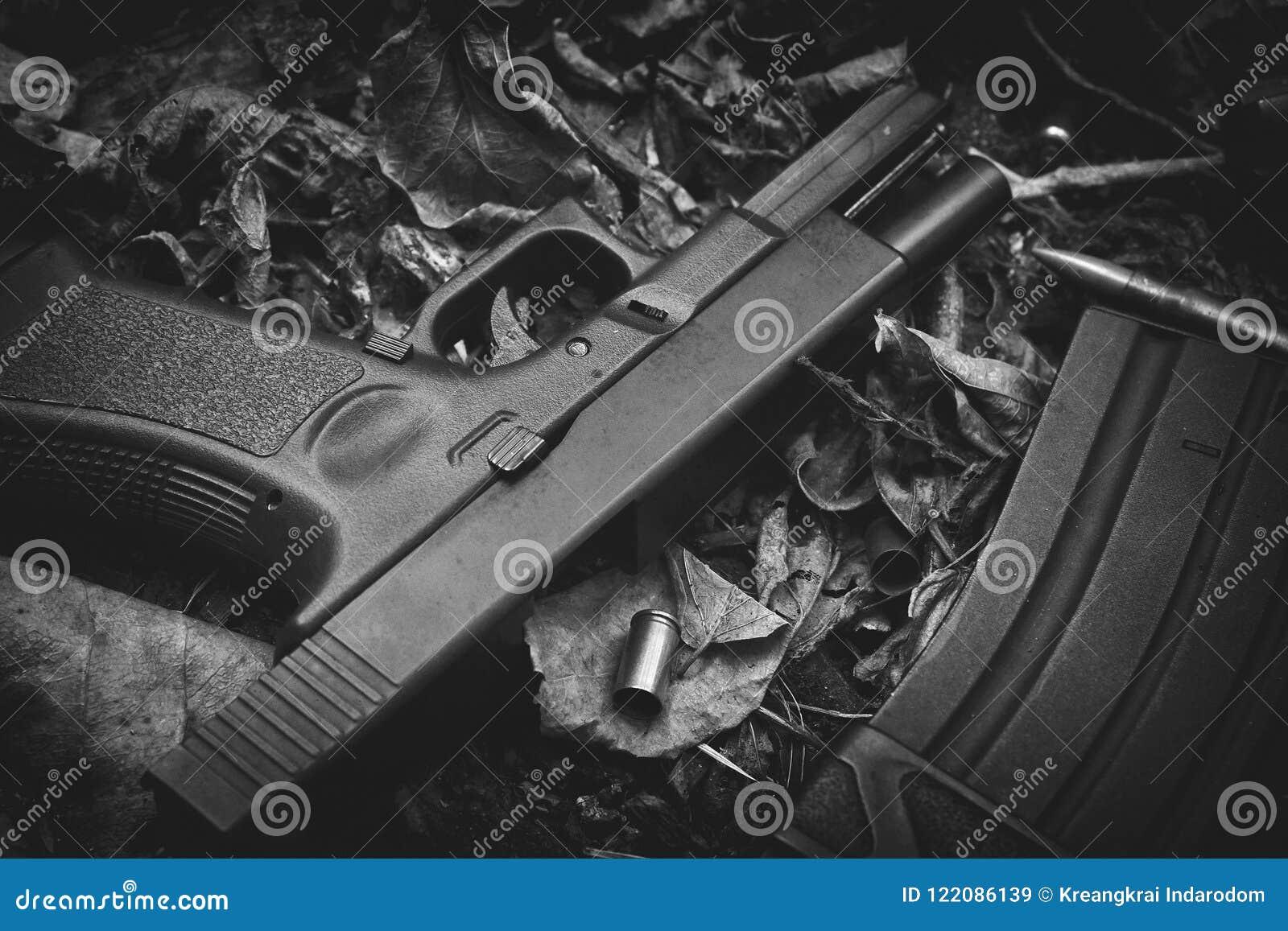 Vapen och kula, vapen och militär utrustning för armén, 9mm pistol