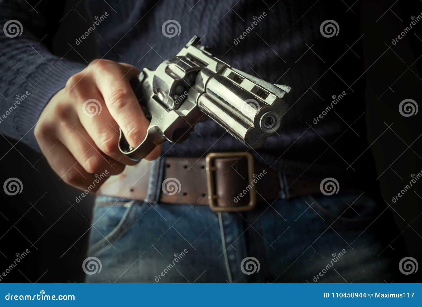 Vapnet i händer