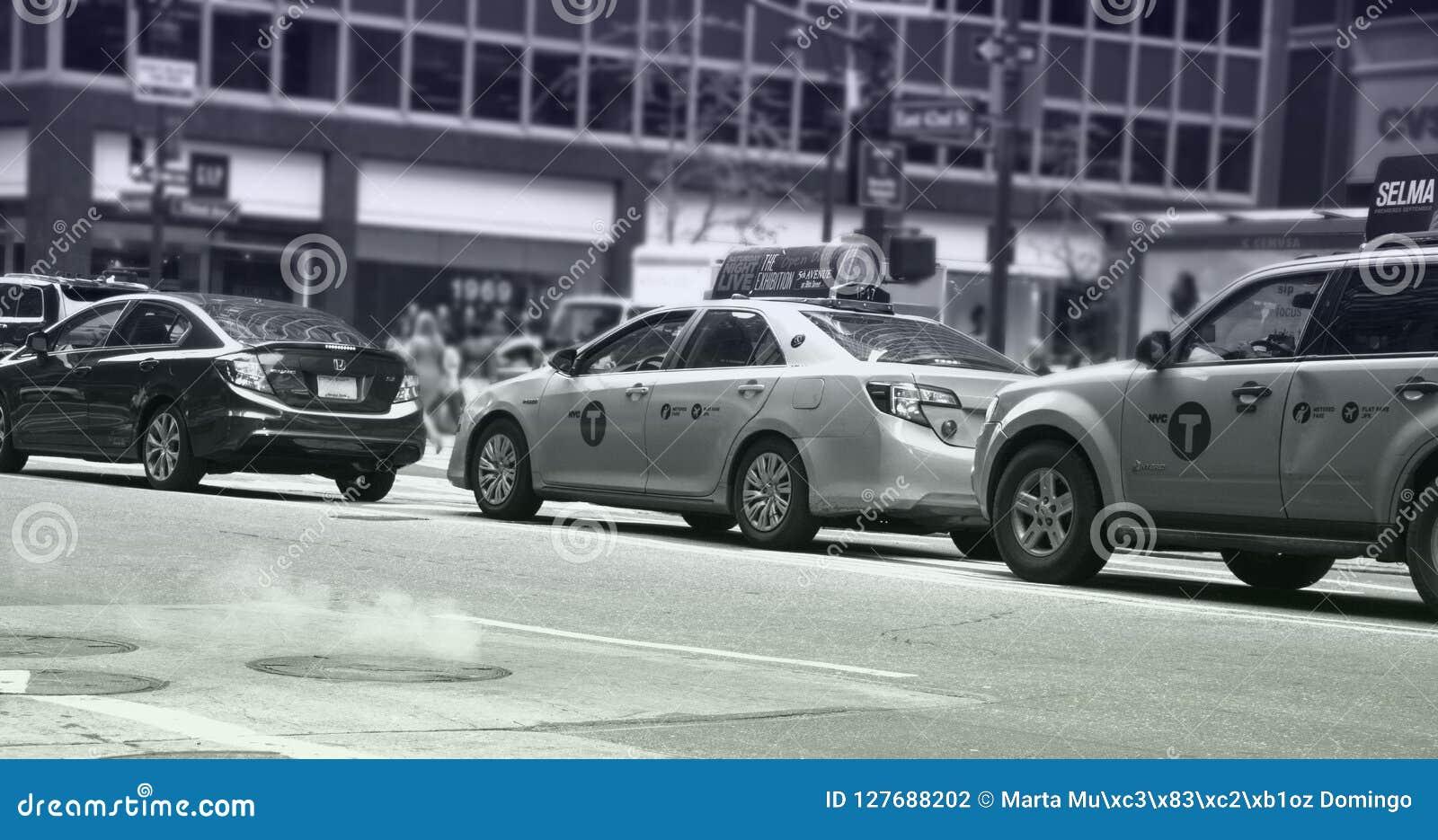 Vapor que aumenta das ruas de NYC