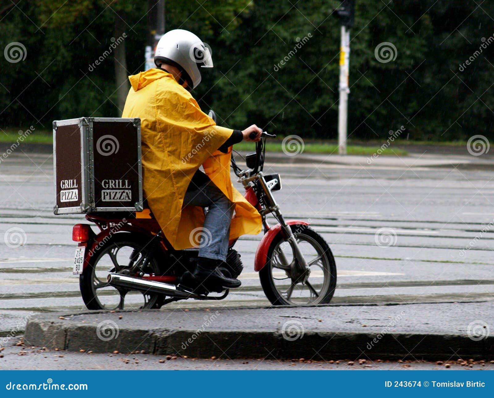 Var kan stoppat regn för leveransmannen inte