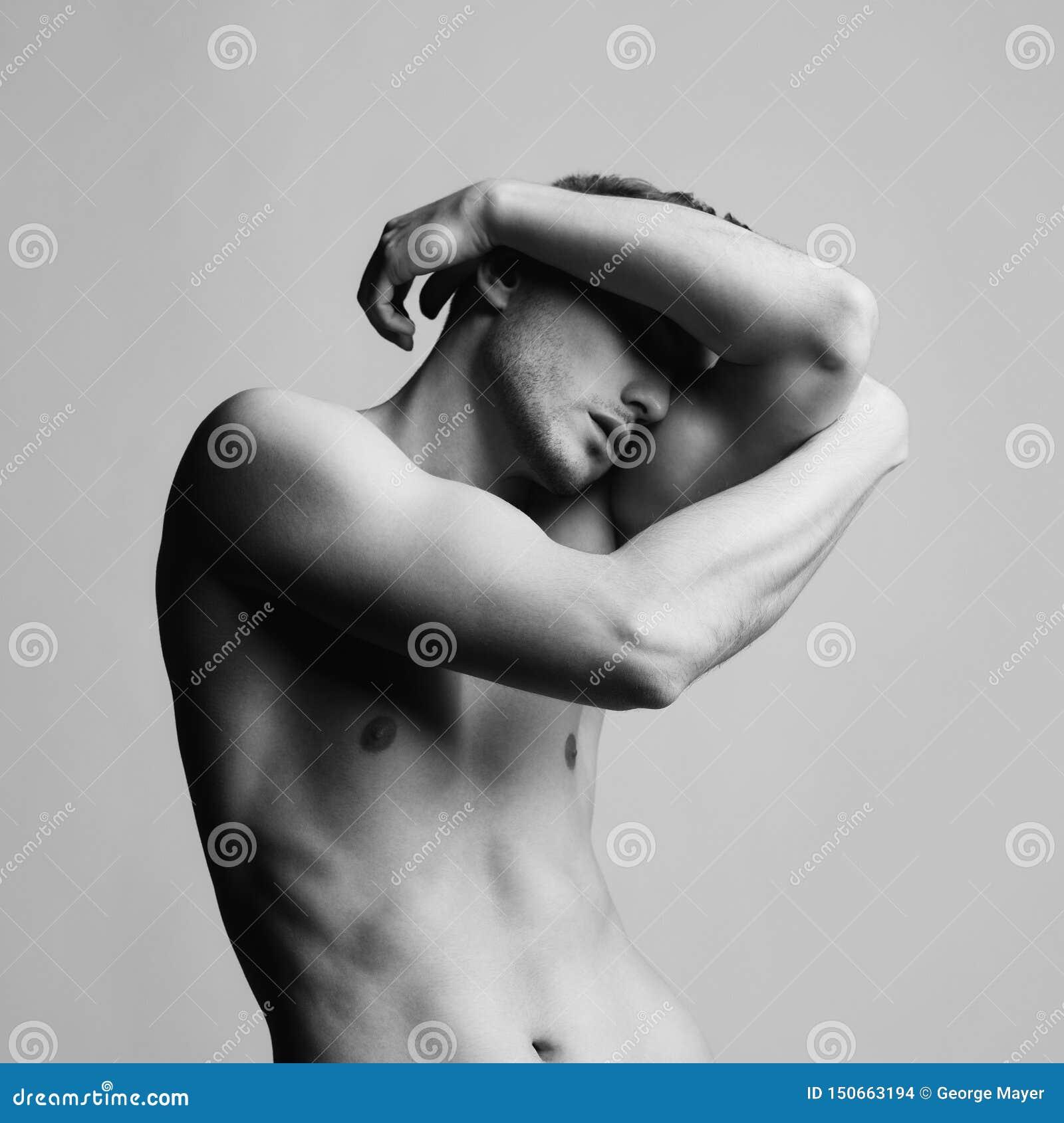 Var?n desnudo hermoso
