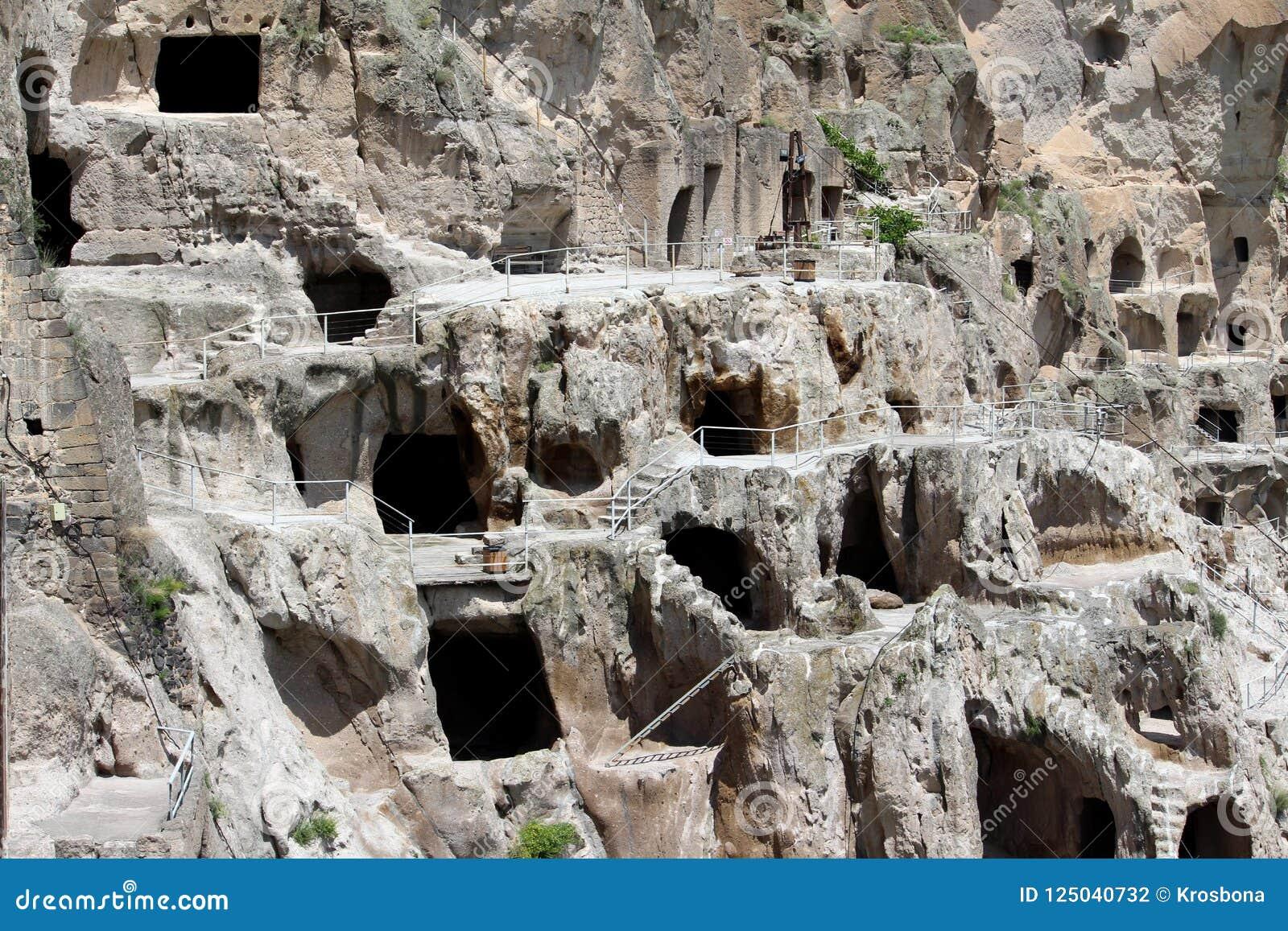 Vardzia Cave Town-Monastery