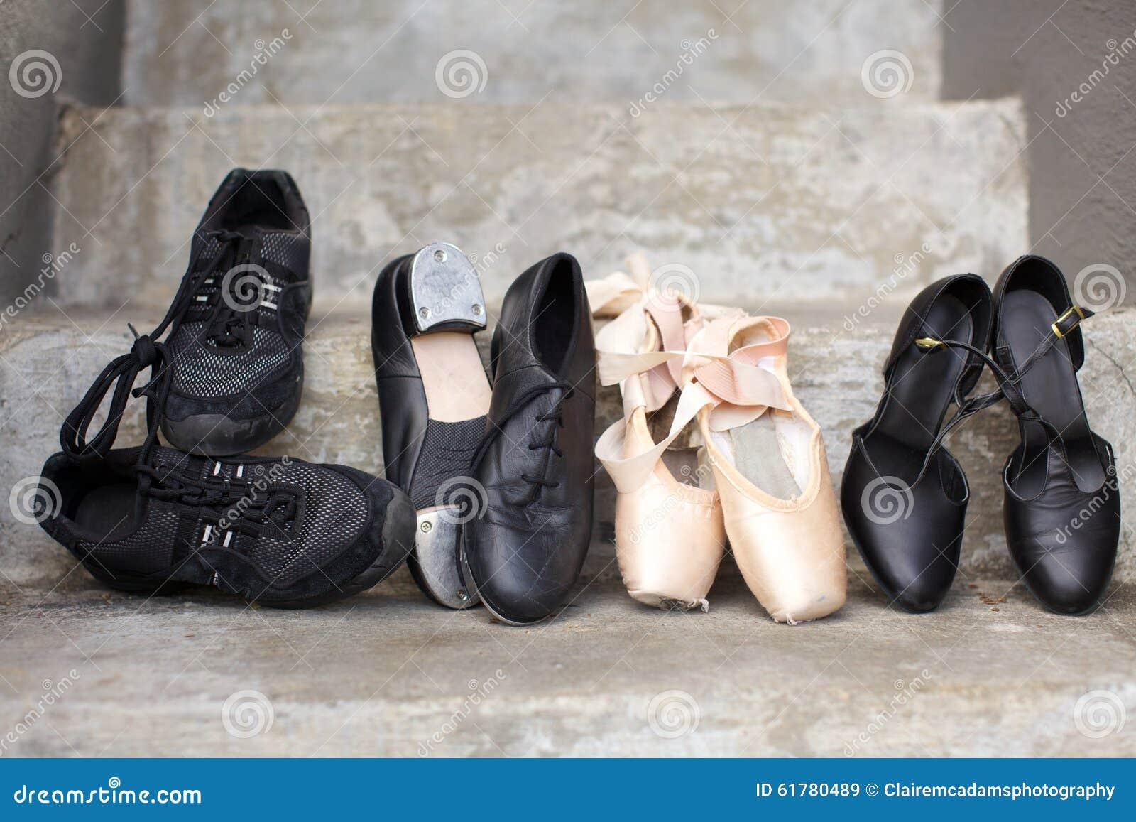 Variété de chaussures de danse