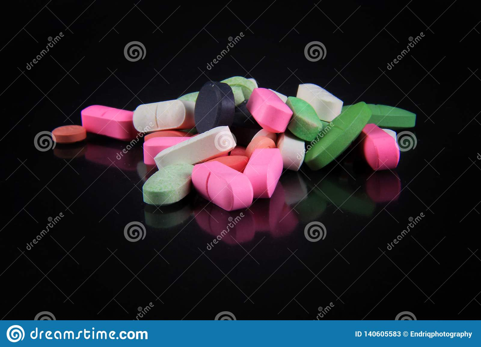 Vari tipi di droghe per le malattie