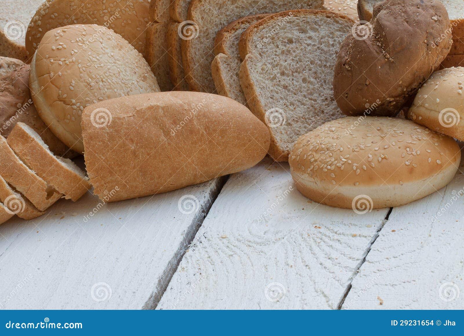 Download Variedade de pão fresco foto de stock. Imagem de trigo - 29231654