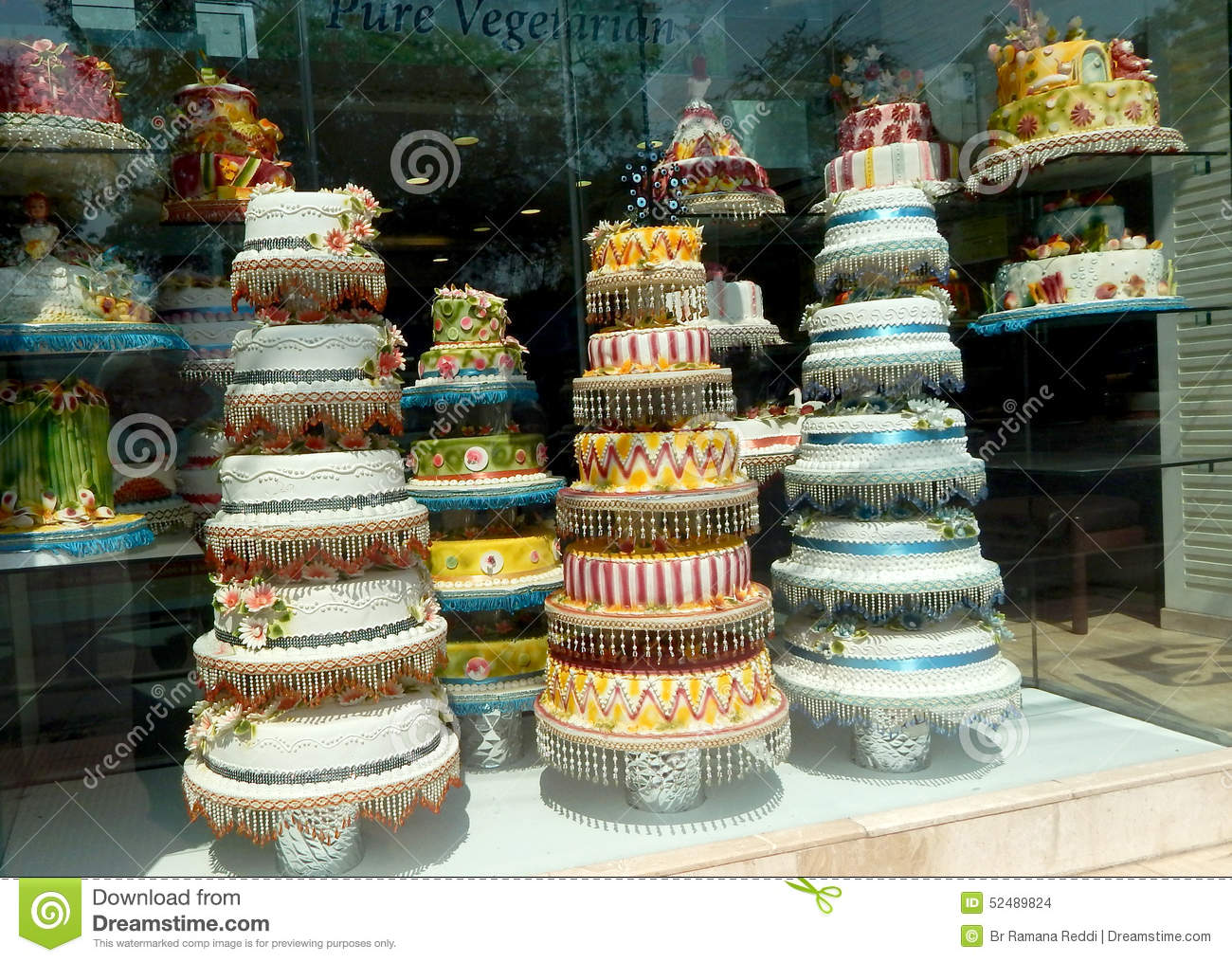 Send Cakes To Hyderabad Country Oven makes it easier to share fresh delicious bliss with all the important people in your life, without breaking your bank or spending a lot of time in the kitchen. Birthday Cakes, Designer Cakes, Fancy Cakes, Kids Cakes, Theme Cakes, Photo Cakes, Barbie Cakes are some of our unique offerings/5().