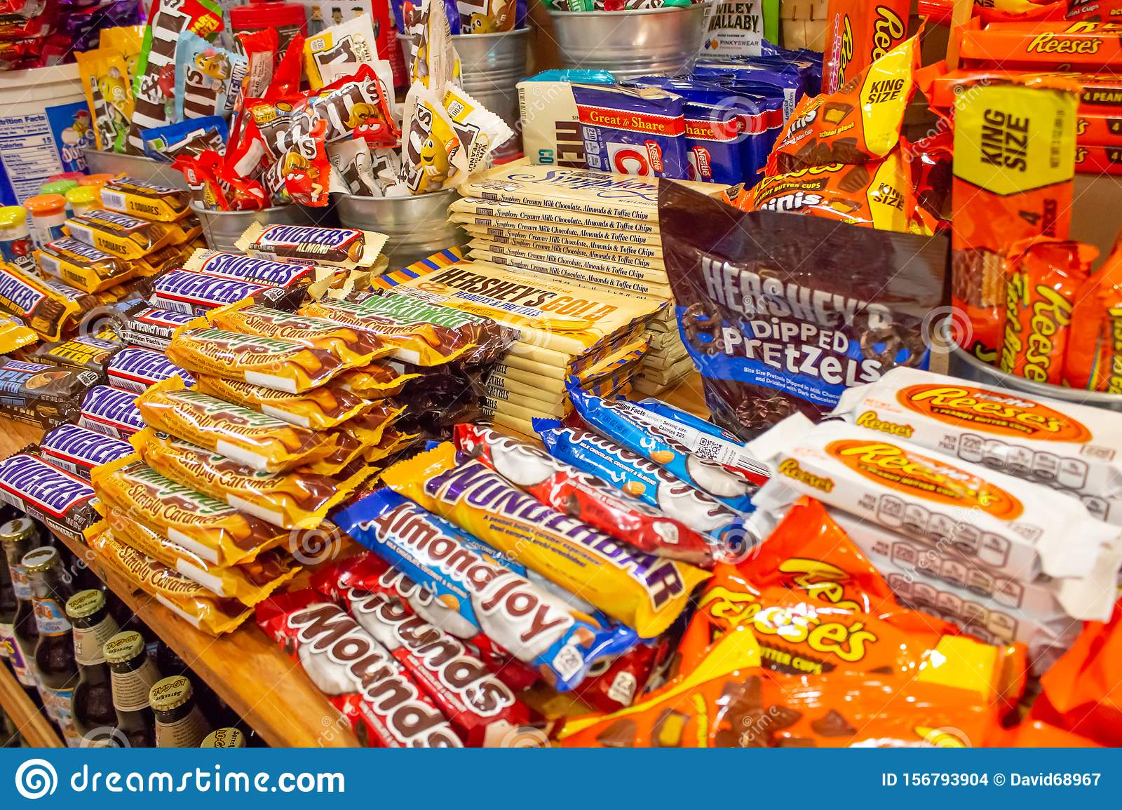 Variety Of Famous Candy Bars Editorial Stock Image - Image ...