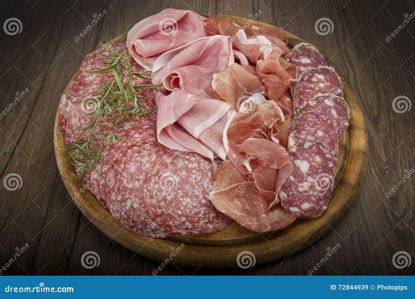 Vario salame italiano
