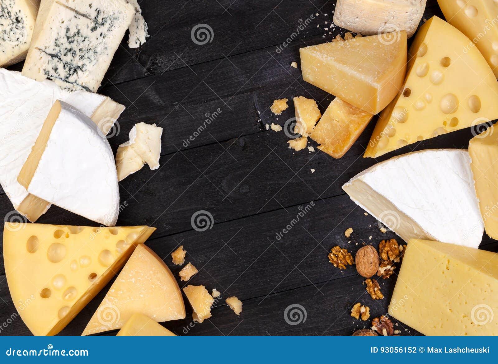 Varios tipos de queso Visión superior Copie el espacio
