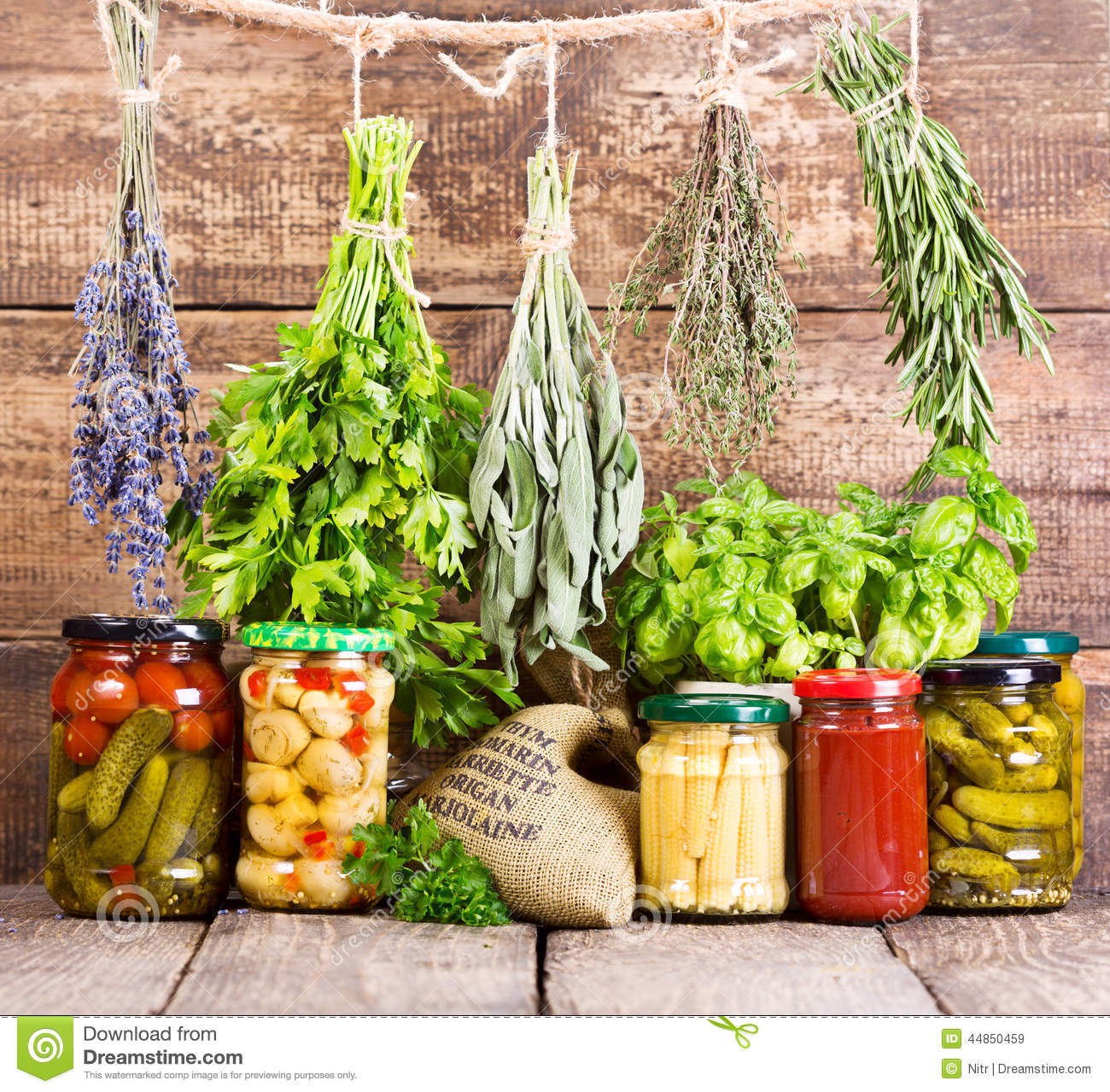 fresh food and canned food essay Point by point compare essay consuming fresh foods instead of canned foods eating is an activity that we as humans do at least two times a day.
