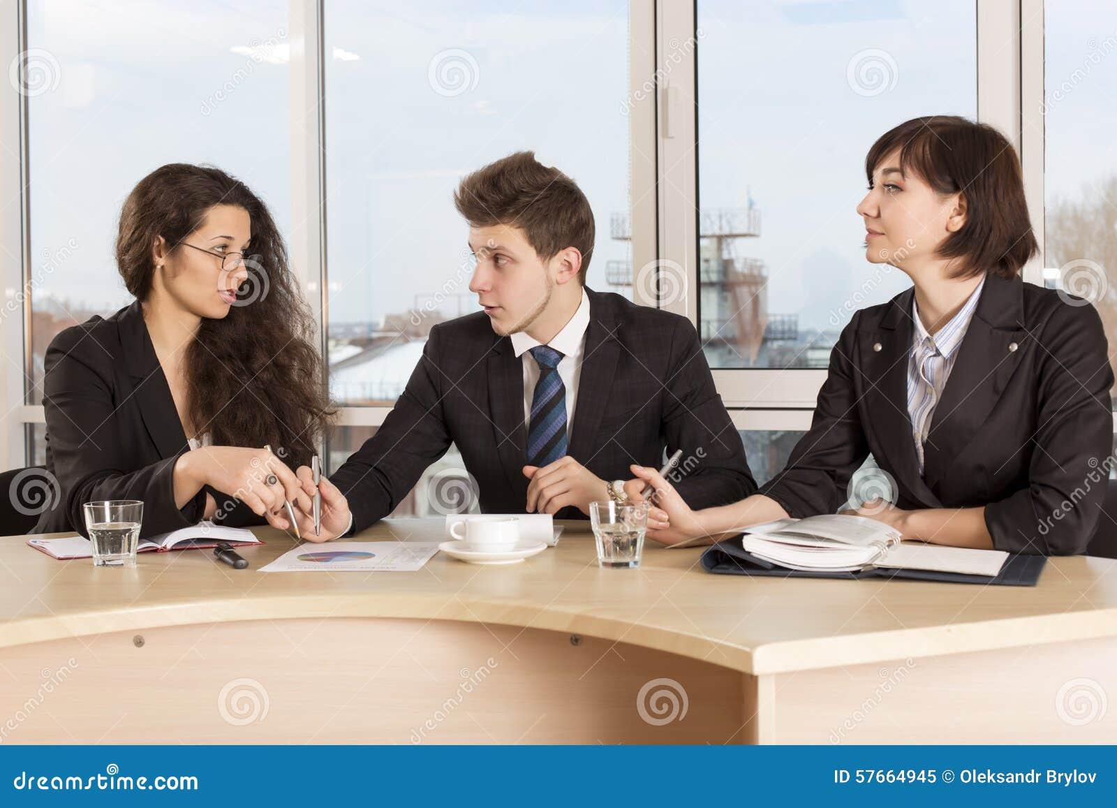 Varm diskussion om finansiell inverkan av