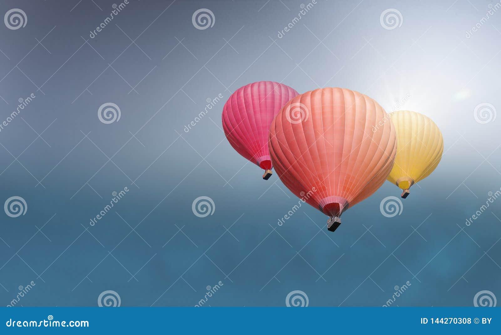 Varm sky f?r luftballon