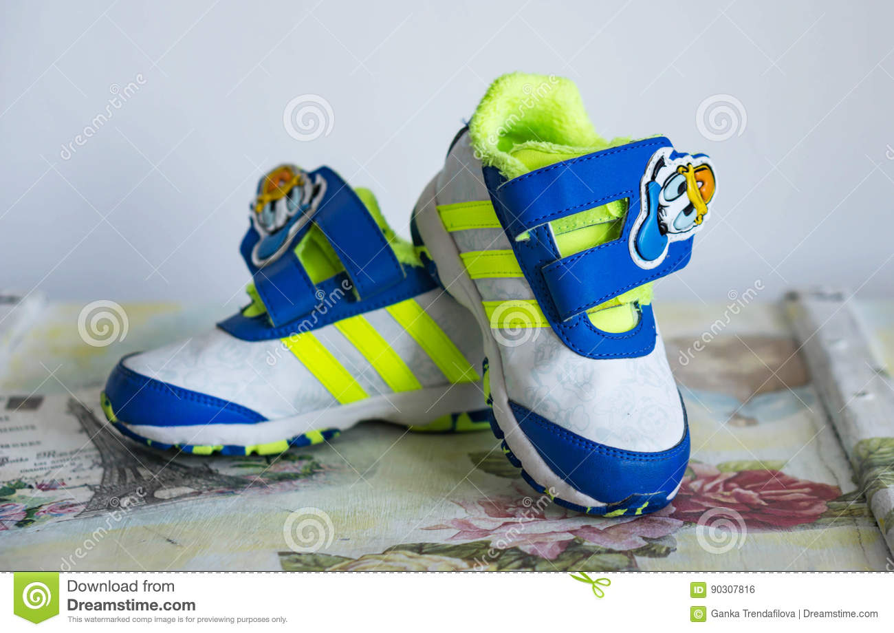 Egipto descuento rodillo  Varna, Bulgaria 24/02/2017. Children`s Shoes Adidas, Limited Ed Editorial  Photo - Image of object, adidas: 90307816