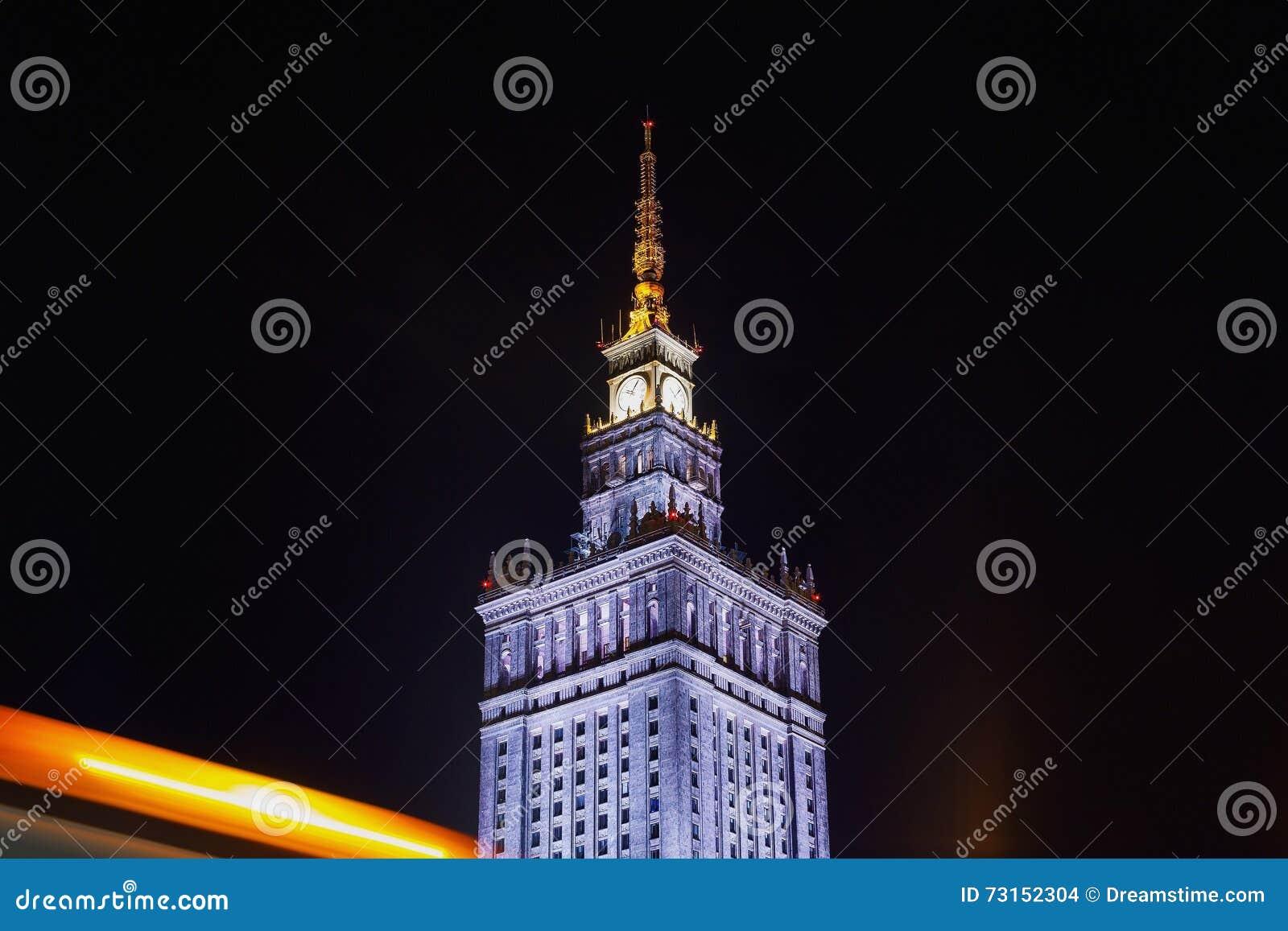 Varsovia en la noche palacio de la cultura y de la ciencia