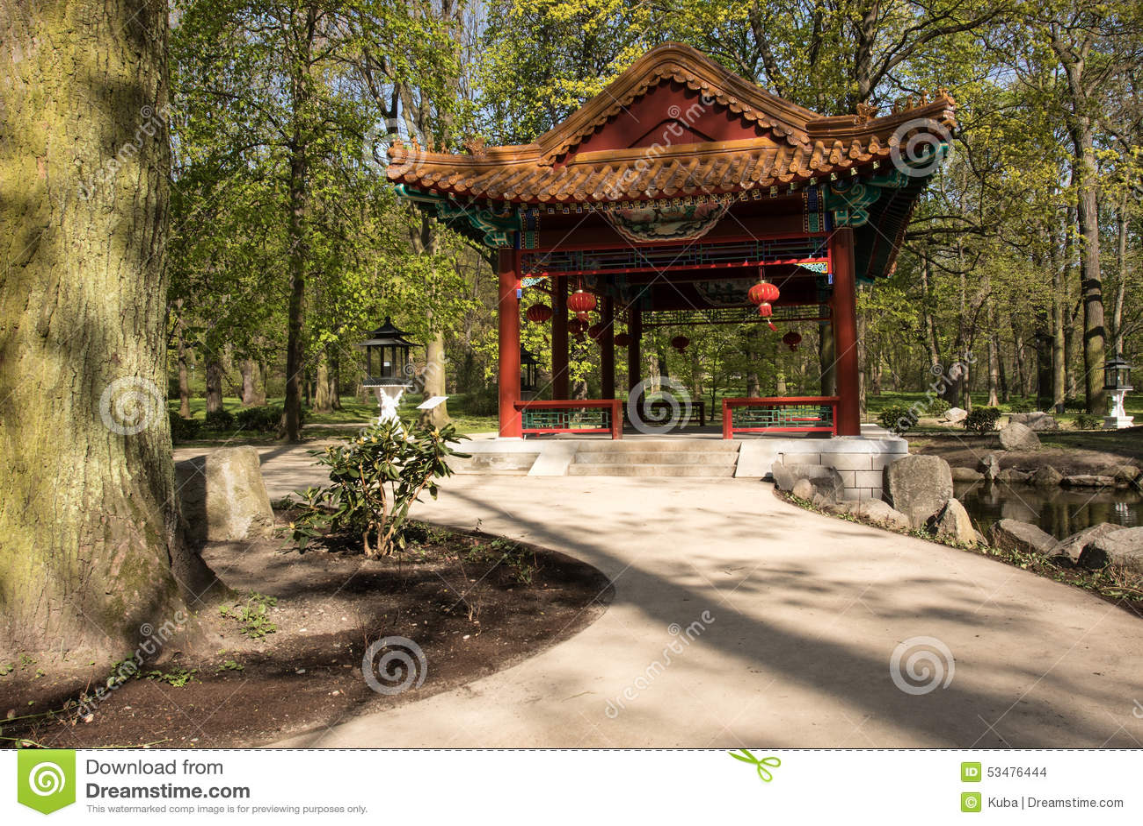 Varsovia jard n chino en el parque real de lazienki ba o for Chino el jardin