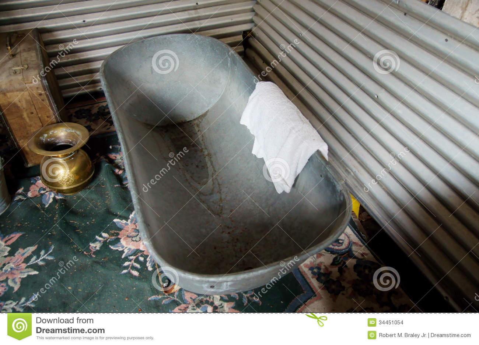 Vasca Da Bagno Usata : Vasca da bagno antica fotografia stock immagine di canada