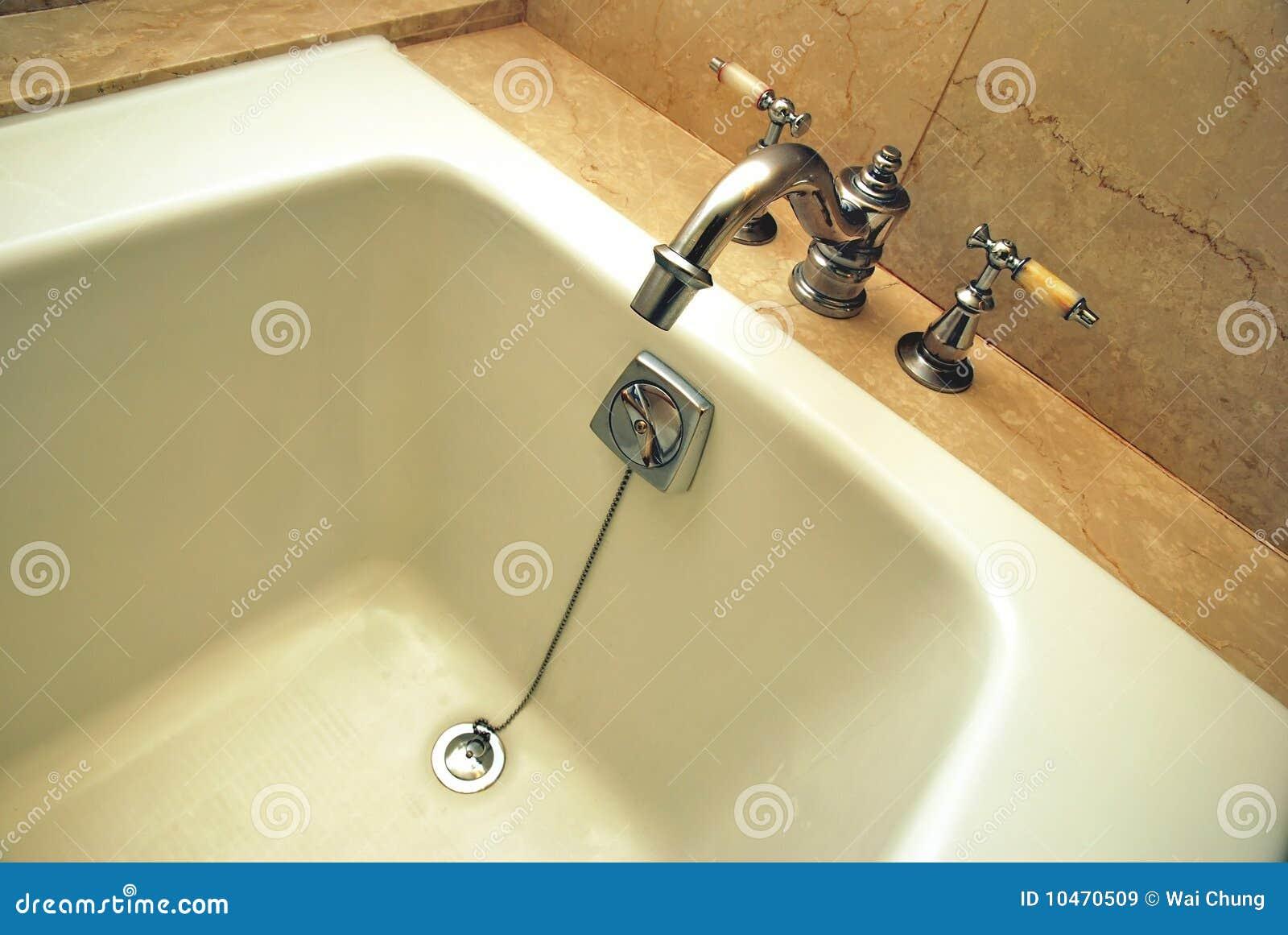 Vasca Da Bagno Metallo : Vasca da bagno di alta classe immagine stock immagine di