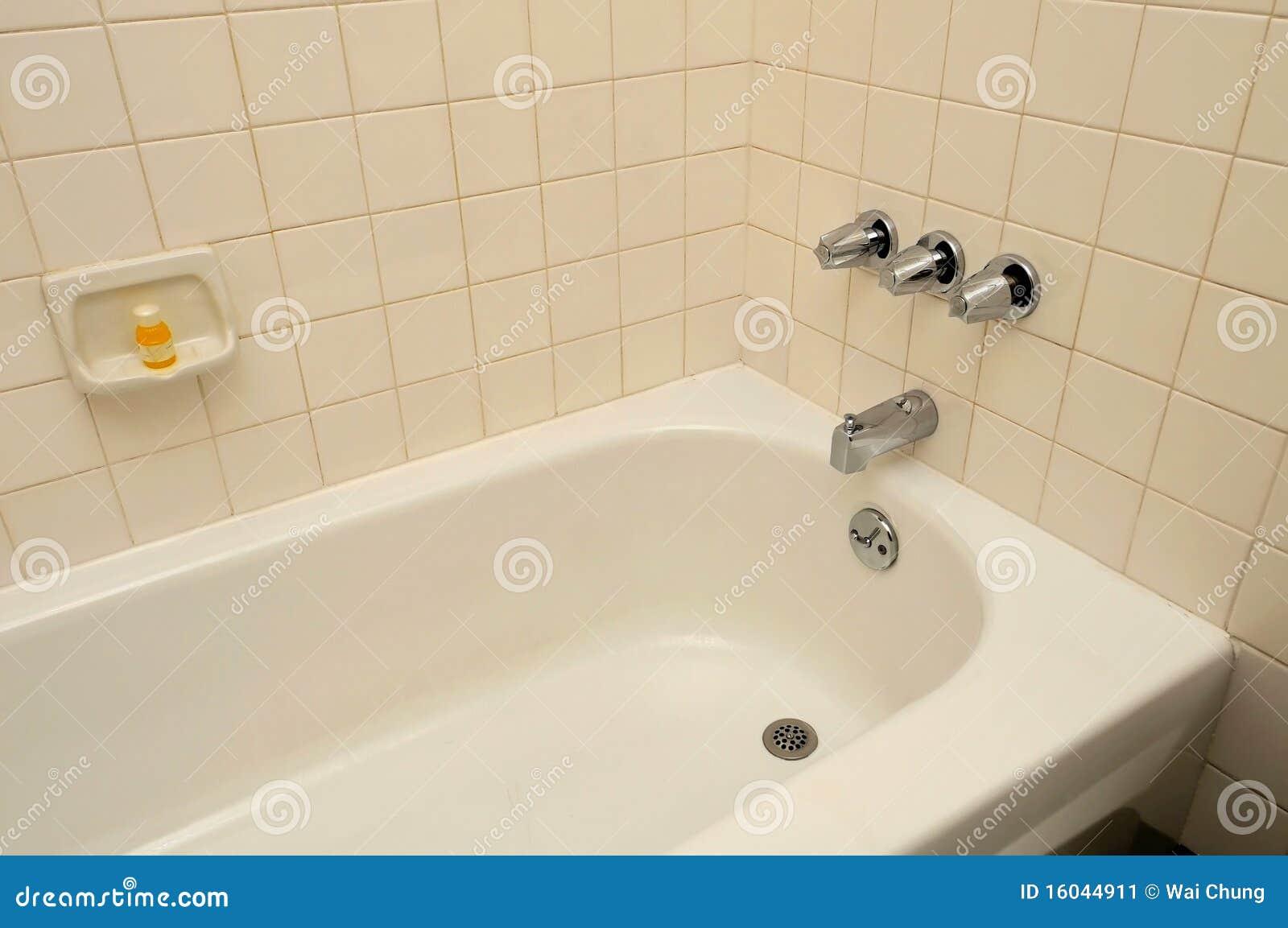 Vasca Da Bagno Per Hotel : Vasca da bagno per la stazione termale ed il rilassamento immagine
