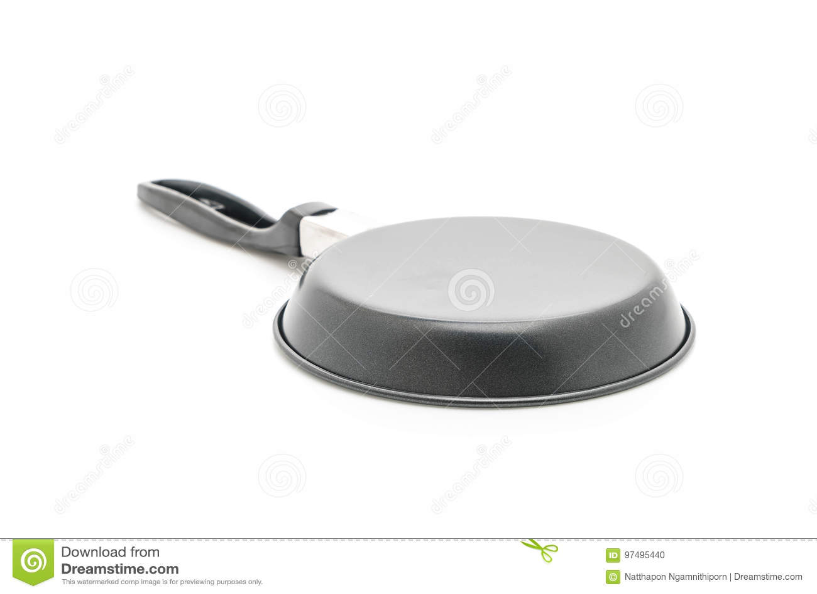 Vaschetta di frittura isolata su bianco