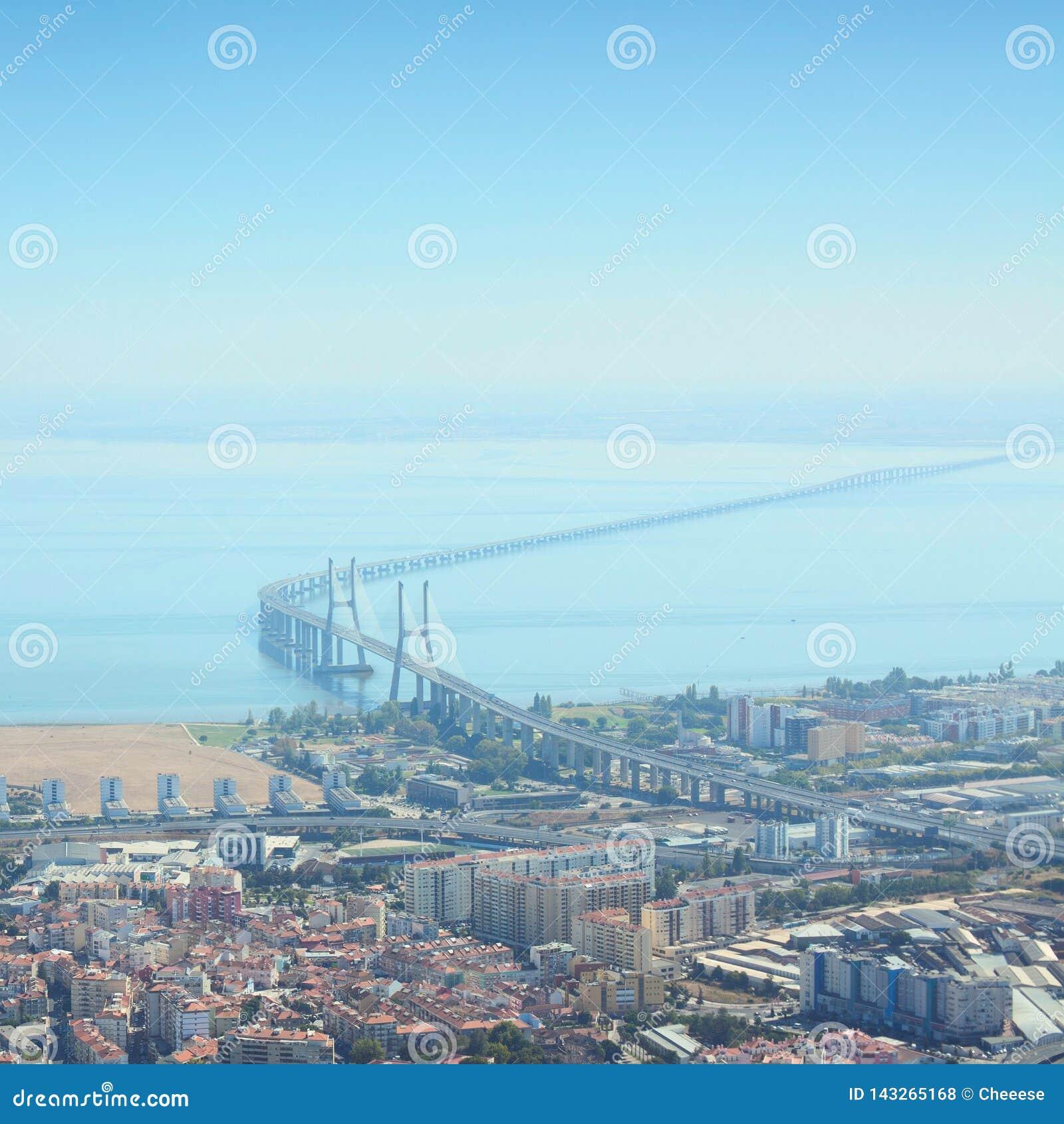Vasco da Gama Bridge es el puente m?s largo de Europa E