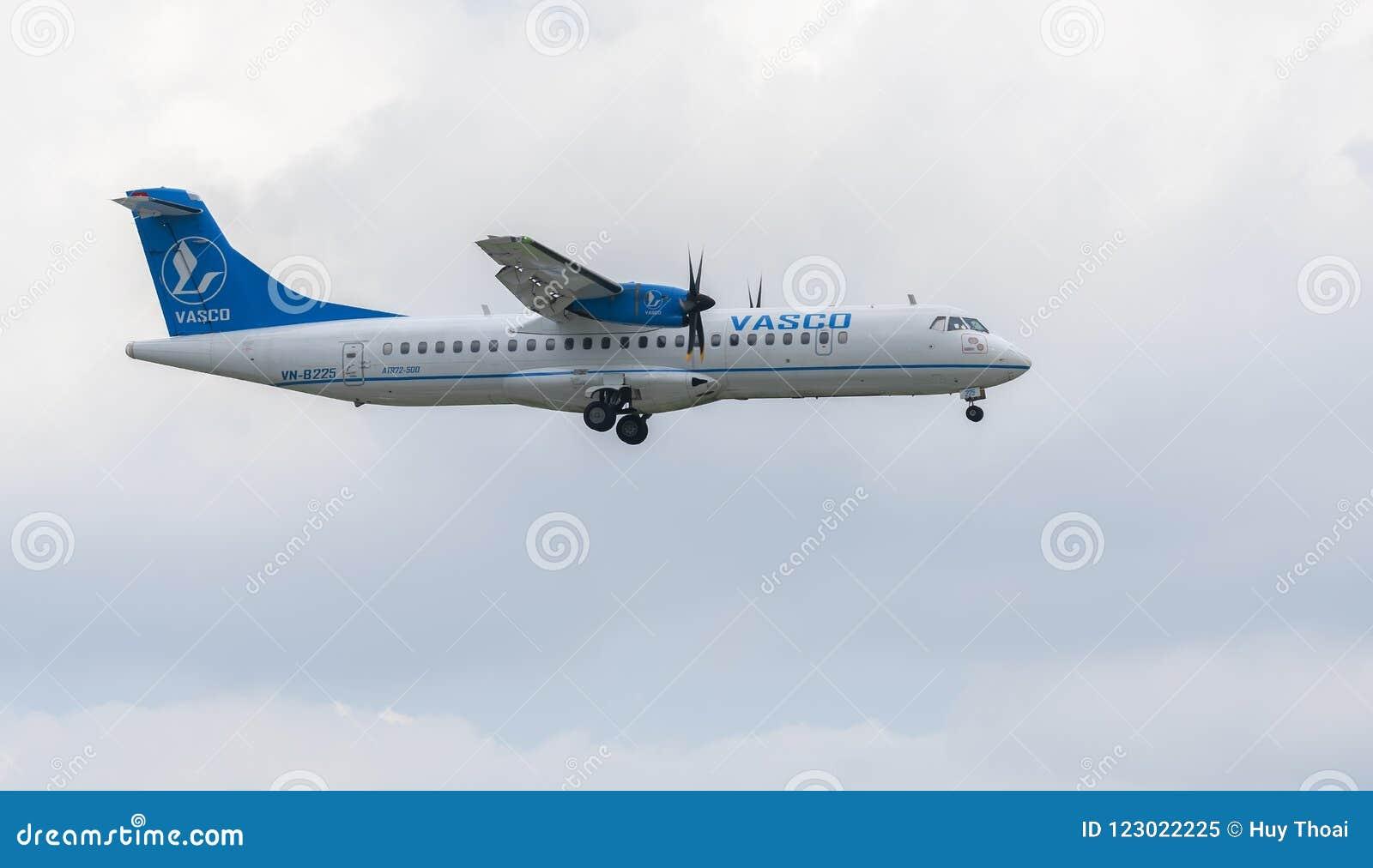 Vasco-Flugzeug mit Landung der Ausrichtung Atr72 bei Tan Son Nhat International Airport