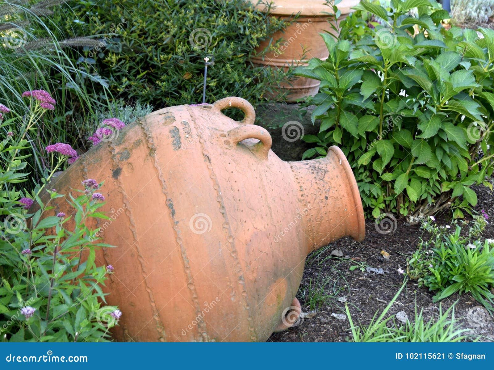 Amphore Decorative Pour Jardin