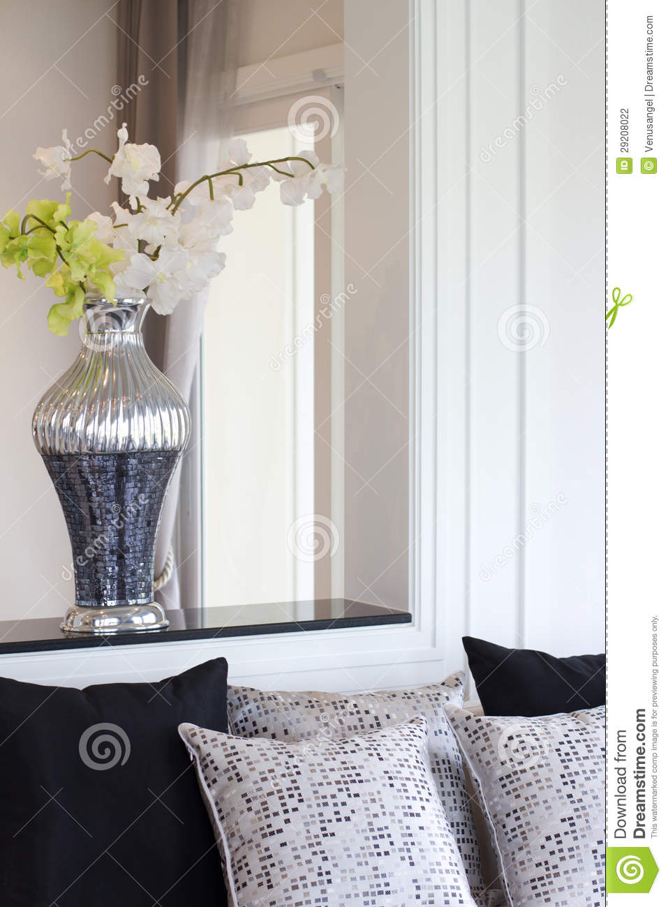 vase with artificial flowers in living room stock photography image 29208022. Black Bedroom Furniture Sets. Home Design Ideas