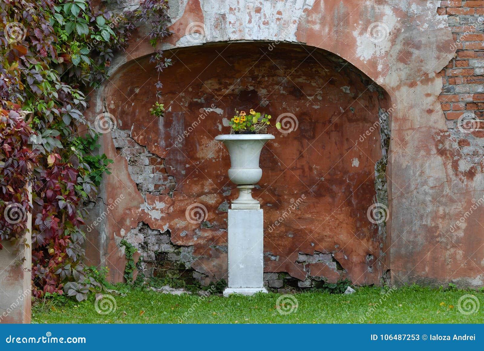 Flower Vase For Niches on bud vases, graveside vases, us metalcraft vases, floral vases, niche wall art, cemetery vases, niche flower holders,