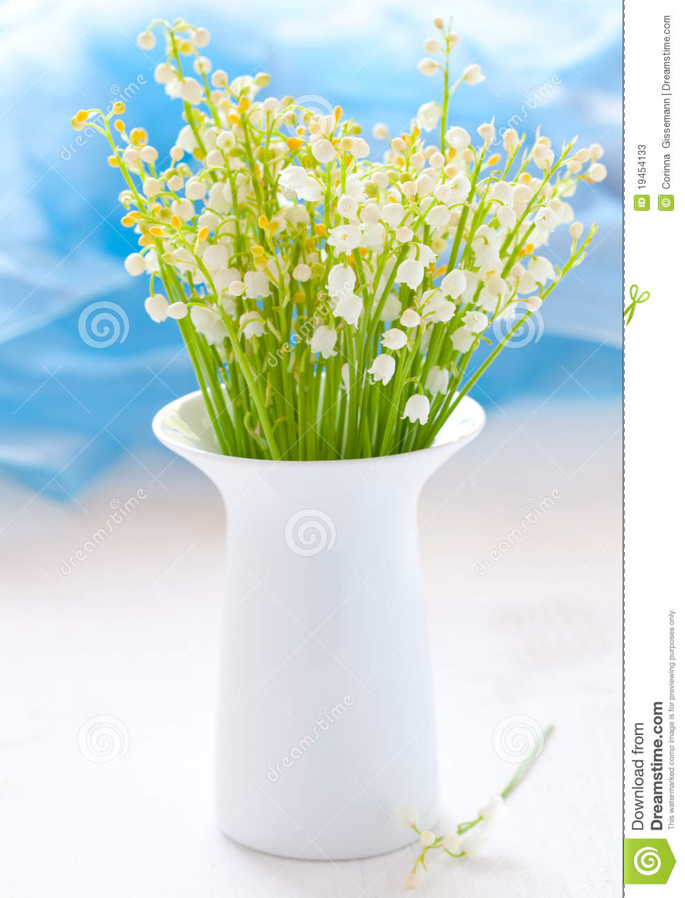 Vase with lily of the valley stock image image of bloom flower vase with lily of the valley reviewsmspy