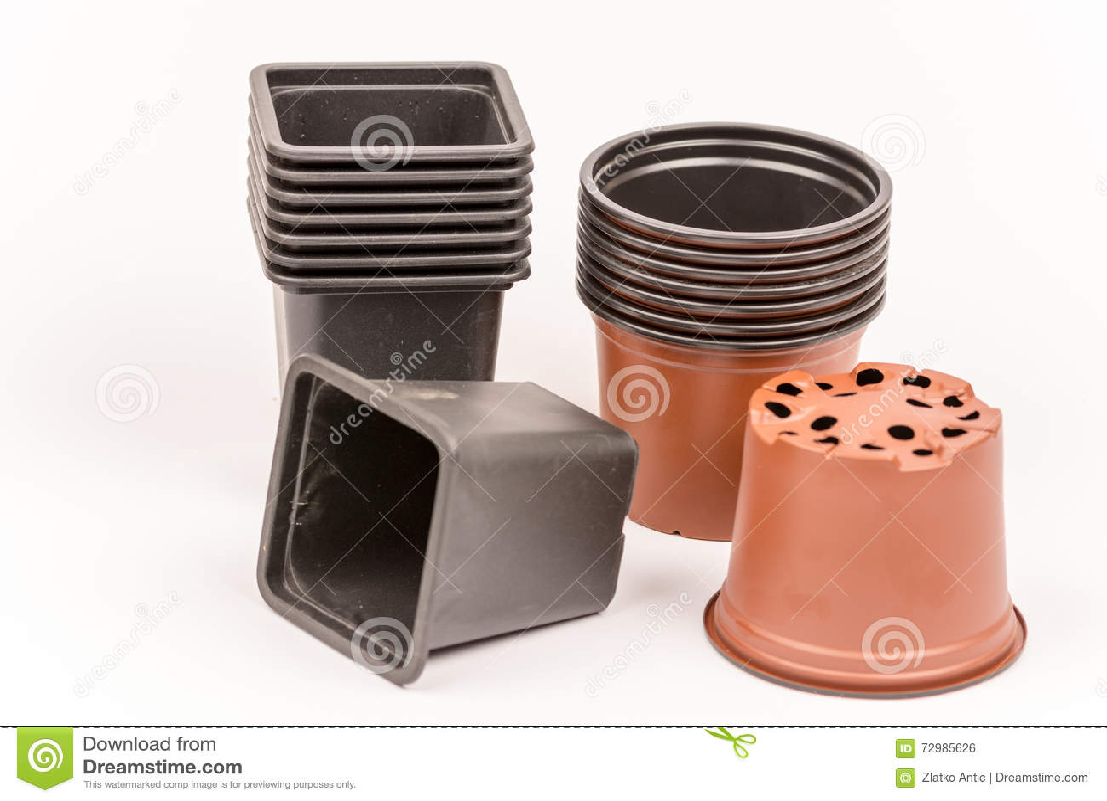 Vasi Neri In Plastica.Vasi Da Fiori Di Plastica Neri Ed Arancio Fotografia Stock